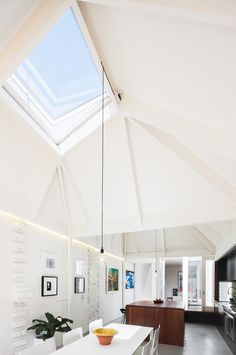Love this skylight. The best residential architecture in New South Wales. Photograph by Katherine Lu. Interior Exterior, Exterior Design, Room Interior, Architecture Résidentielle, Dark House, Light House, Peterborough, Bungalows, My Dream Home