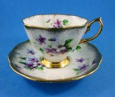 Pretty Purple Violets with Gold Border   Royal Albert   Un-Named