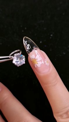 DIY Nail art designs that are actually very Easy. Nail art design needs to be attractive and fashion Nail Art Hacks, Gel Nail Art, Nail Art Diy, Diy Nails, Cute Nails, Pretty Nails, Acrylic Nails, Nail Art Designs Videos, Nail Art Videos