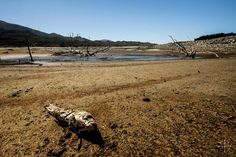 10 shocking pictures of Cape Town's Theewaterskloof dam, on World Water Day  As the world celebrates water day, Cape Town's crippling drought rages on and the city's largest water supply, the Theewaterskloof Dam, is near breaking point. https://www.thesouthafrican.com/10-shocking-pictures-of-cape-towns-theewaterskloof-dam-on-world-water-day-photos/