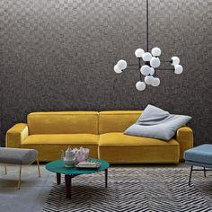O Sofá Marechiaro da marca italiana Arflex é um clássico. Foi desenhado no final dos anos 70 e por ser modular tem muitas composições possíveis. Pode também escolher o tecido. Aqui está numa opção em veludo que é uma das tendências da decoração e do design de interiores. Consulte o catálogo da QuartoSala - Home Culture #arflex #marechiaro #designitaliano #sofás #compras #homedecor #veludos #trends #projetos #confort #lojas #casa #instadesign #quartosala