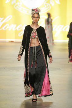 Honey Waqar for Vibrant Pakistan Segment @ Amsterdam Fashion Week 2013 Vogue Fashion, Fashion Models, Pakistan Fashion Week, Amsterdam Fashion, Pakistani Designers, Catwalks, Indian Fashion, Ethnic, Honey