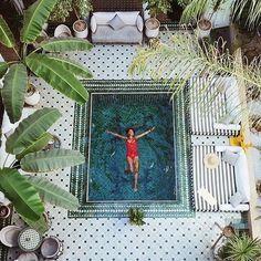 Riad Jasmine Hotel in Marrakech, Morocco Patio Interior, Interior And Exterior, Ideas Terraza, Le Riad, Small Pools, Plunge Pool, Deco Design, Pool Designs, Jacuzzi