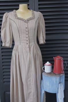Vestido Oeste   $20  via Bahía, confecciones, recuerdos y puestas de sol.. Click on the image to see more!