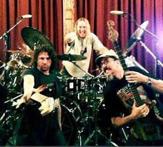 Primus, gearing up for Riot Fest. Danny Carey is sitting behind the drums. Love Circus, Danny Carey, Les Claypool, Tool Band, How To Play Drums, Heavy Metal Music, Drummers, Rock And Roll, Culture