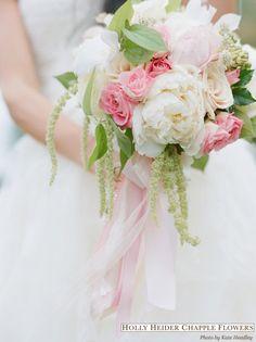 Spring Wedding Flowers : ideas for bouquets and floralarrangements - Brendas Wedding Blog - wedding blogs with stylish wedding inspiration boards - unique real weddings - wedding vendors