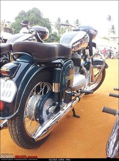 Originally Posted by Rennjit MYJ is there anything different about it? any reason behind the title 'Twin head' I do like those Twins but not the singles for the loud note from two Vintage Motorcycles, Cars And Motorcycles, Yezdi Roadking, Jawa 350, Kashta Saree, Brave Heart, Motorcycle Wallpaper, Old Bikes, Classic Bikes