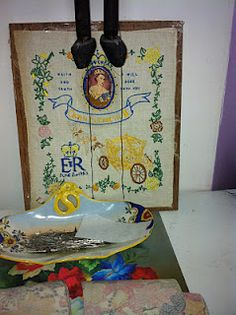 E.R. embroidery Queen, Embroidery, Crafts, Painting, Art, Art Background, Needlepoint, Manualidades, Painting Art