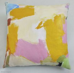 A de Kooning-inspired pillow to lay our heads on? Yes, please!