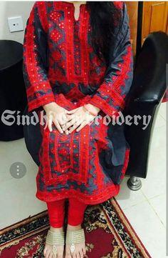 Simple Pakistani Dresses, Pakistani Fashion Casual, Pakistani Dress Design, Embroidery On Kurtis, Kurti Embroidery Design, Hand Embroidery, Dress Designs, Sleeve Designs, Balochi Girls