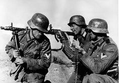 Wehrmacht Soldaten mit MG einsatz