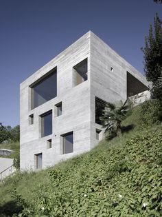 New Concrete House by Wespi de Meuron Romeo Architetti - Switzerland ~ DesignDaily Houses Architecture, Architecture Résidentielle, Contemporary Architecture, Architecture Wallpaper, Concrete Facade, Concrete Houses, Exposed Concrete, Houses On Slopes, Casas Containers