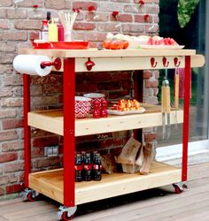 What Every Backyard Party Needs: 12 DIY Outdoor Serving Stations/Carts (Diy Kitchen Cart) Grill Cart, Bbq Table, Small Outdoor Spaces, Small Spaces, Patio Bar, Deck Bar, Dining Nook, Outdoor Kitchen Design, Outdoor Kitchens