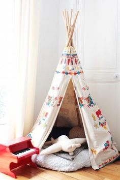 Discover Circu exclusive furniture with a creative design for kid's rooms! Check our red inspirations: CIRCU. Play Corner, Baby Sewing Projects, Baby Room Decor, Kid Spaces, Reading Nook, Kids Decor, Kids Bedroom, Kids Rooms, Embroidery Designs