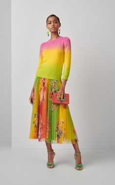 Get inspired and discover Ralph Lauren trunkshow! Shop the latest Ralph Lauren collection at Moda Operandi. Ralph Lauren Style, Ralph Lauren Collection, Floral Pleated Skirt, Midi Skirt, Pleated Skirts, Cocktail Attire, Fashion 2020, Cashmere Sweaters, Clothes For Women