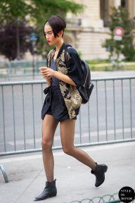 Model off duty apres Chanel....
