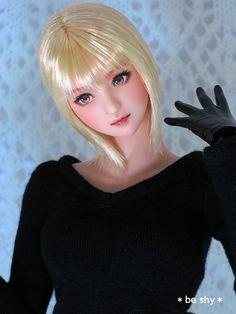 Custom head (Obitsu 01, normal skin, blonde, eye-opening) * beshy *