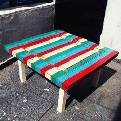Mesa ratona reciclada a partir del tablero de una puerta. Medidas 78x83. Por precios contactarse por mensaje o mail. Estamos en Caballito, Buenos AIres