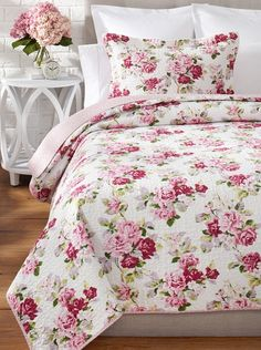 Modern Room Decor, Bedroom Decor, Home Decor, Bedroom Ideas, Floral Bedding, Toile Bedding, Floral Bedroom, Shabby Chic Bedrooms, Chic Bathrooms