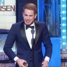 LOOK AT THIS MAN!!! - Ben Platt - 2017 Tony Awards << AS SOON AS HE WON I STARTED CRYING AND THEN THERE WAS A SHOT OF MIKE GIVING HIM A STANDING O AND I STARTED SOBBING AND IT ONLY GOT WORSE AND HE GAVE HE SPEECH GOD BLESS THIS MAN