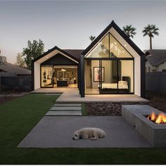 House Extensions: Amazing Small Home Renovation In Phoenix Architecture Beast Modern Barn House, Modern House Design, Simple House Design, Br House, Tiny House, Casas Containers, Home Fashion, Exterior Design, Modern Architecture