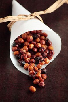 Honey Cinnamon Roasted Chickpeas Yields about 2 cups 15 ounce can garbanzo beans (or 2 cups cooked chickpeas) (FYI: chickpeas and garbanzo beans are the same thing) 1 teaspoon ground cinnamon 1 tablespoon granulated sugar 2 teaspoons vegetable oil 1 tablespoon honey