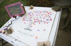 6 Creative Wedding Guest Book Alternatives | OneWed