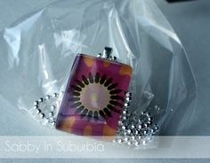 Sabby In Suburbia: Homemade Christmas: Pendant Necklaces & Glass Magnets