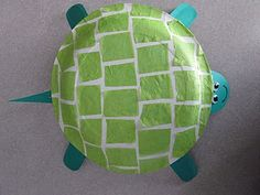 Yertle the Turtle (by Dr. Seuss) paper plate craft.