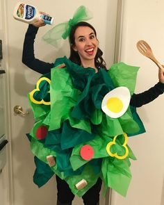 Diy halloween costumes 89579480076427215 - Salad Costume with Green Tissue Paper. Ideas for trunk or treat, Sunday school parites, bible study, Awana and more! Source by fclash Couples Halloween, Food Costumes, Easy Diy Costumes, Fete Halloween, Last Minute Halloween Costumes, Homemade Costumes, Halloween Kids, Quick Costume Ideas, Easy Diy Halloween Costumes For Women Last Minute