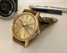 Omega rare Day Date Mens gents Classic vintage Automatic Mechanical Gold plated vintage watch CAL 1022 + BOX Modern Watches, Vintage Watches, Omega Automatic, Rolex Date, Popular Watches, Vintage Omega, Fashion Watches, Gold Watch, Omega Watch