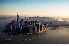"""Joli joli, le nouveau """"skyline"""" de NY :  le nouveau WTC vient de fixer la pointe de sa tour, redevenue la plus haute de New York et de l'Amérique"""