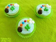 St. Patricks Day Lucky Rainbow Cupcakes
