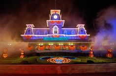 What if the very first room was filled with villains but was decorated like this and had the Disney World at Halloween atmosphere and was the least scary room in the house. It would set up expectations that would be gloriously shattered into millions of pieces by the time the house was through.  :D