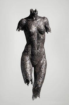 South Korean artist Young-Deok Seo has made incredible sculptures from bicycle chains