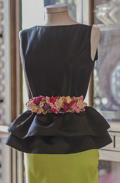 Cinturones Gloria Velazquez Más Grad Dresses, Event Dresses, Casual Dresses, Suit Fashion, Fashion Dresses, Womens Fashion, Dress Design Sketches, Lace Bolero, Royal Clothing