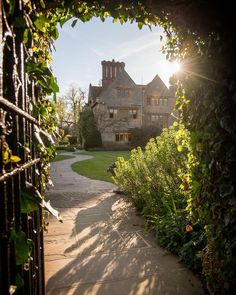 Le Manoir and some sunshine. What could be better?!!! @belmondlemanoir #paulwilkinsonphotography