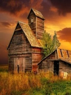 Beautiful Barn and Sunset #sunset #barn #photography