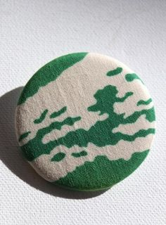 Green and cream hand-dyed Japanese fabric brooch handcrafted in Tokyo Japanese Things, Fabric Brooch, Japanese Fabric, Green Fashion, Fashion Accessories, Tokyo, Stuff To Buy, Colour, Cream