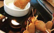 Receita sensação do momento! já vi vários tipos de receitas caseira de fondue. Mas fundue de coxinha foi a primeira vez que vi. Receita de Fondue de Coxinha