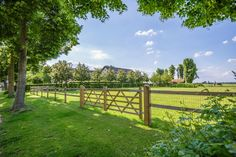 Horse Stables, Horse Barns, Horses, Garden Swimming Pool, Horse Fencing, Horse Ranch, Country Landscaping, Land Scape, Fence