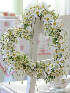 Daisy heart shaped wreath