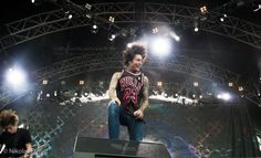 Oliver Sykes, Bring Me the Horizon, Sonisphere France 2011