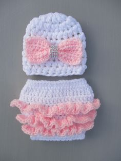 398bb8d2246 Crochet Baby Ruffle Outfit Crochet Ruffles Hat Diaper Cover Crochet Baby  Outfit Newborn Photo Prop Baby Girl Hat Baby Shower Gift Handmade