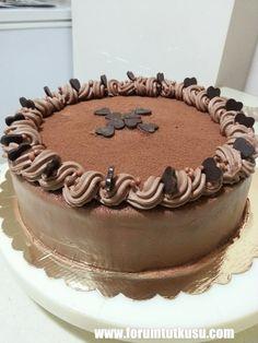 Evde yapılan yaş pasta süslemeleri, Yaş pasta süsleme modelleri, Yeni yaş pasta süslemeler - ForumTutkusu.Com - Forum Tutkunlarının Tek Adresi