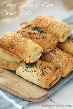 Thermomix Cheesy Chicken & Corn Savoury Rolls - the perfect alternative to sausage rolls (these are completely sausage mince free! Lunch Box Recipes, Meat Recipes, Appetizer Recipes, Cooking Recipes, Easy Cooking, Grilled Chicken Recipes, Lunch Ideas, Vegetarian Recipes, Recipies