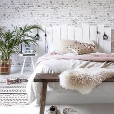 Don't remember where I got this from...but once again I am obsessed.  Oh so cozy yet simple #inspo #decor