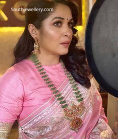 Sari Blouse Designs, Fancy Blouse Designs, Bridal Blouse Designs, Saree Jewellery, Silver Jewellery, Jewelry Design Earrings, Necklace Designs, Indian Jewellery Design, Jewellery Designs
