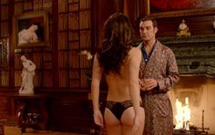 Liz Hurley's incredible bum-flashing moment for @TheRoyalsOnE - http://bit.ly/18T8Ckx