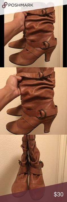 VINTAGE ANKLE BOOTS‼️ Just need a new heel, very comfortable and a great pair of vintage boots! Shoes